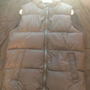 Old Navy Black Puffer Vest Size 10-12 NWOT